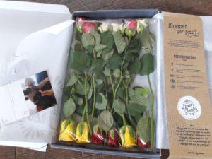 Brievenbus rozen met kaart