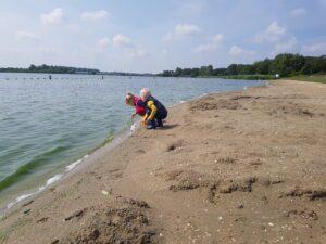Spelen bij het meer